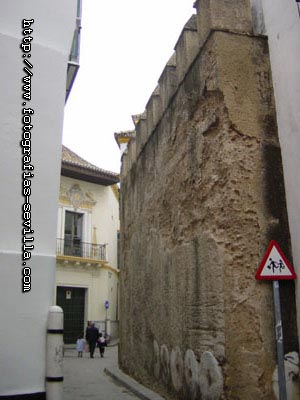 Seville, Jewish neighbourhood's wall remains