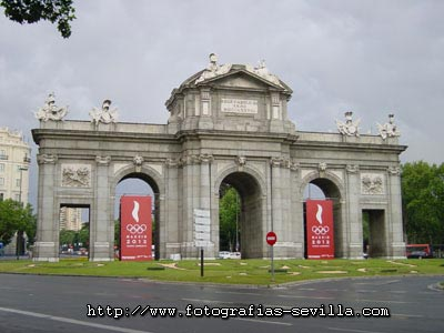 Madrid, the Alcala gate
