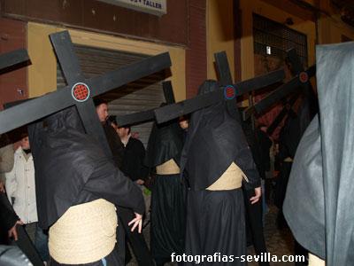 foto: penitentes de la hermandad del Silencio